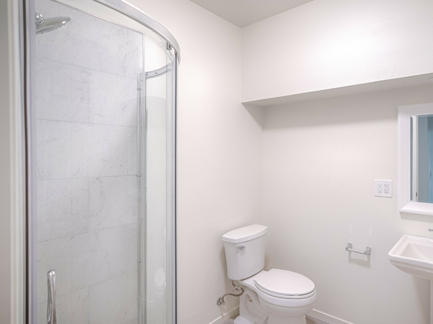 Bathroom IV
